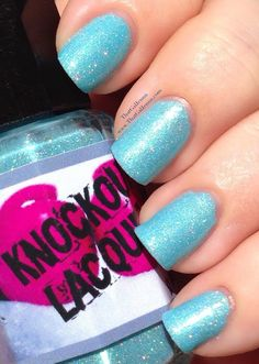 ThatGalJenna - Knockout Lacquer Review and Swatches - Kimura - outdoors