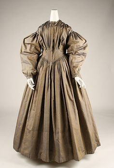 Early 1840s American Dress at the Metropolitan Museum of Art, New York