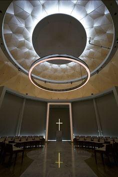 ヒルトン福岡シーホーク | 乃村工藝社 Religious Architecture, Interior Architecture, Modern Church, Design Theory, Church Design, Church Building, Best Places To Live, Kirchen, Light And Shadow