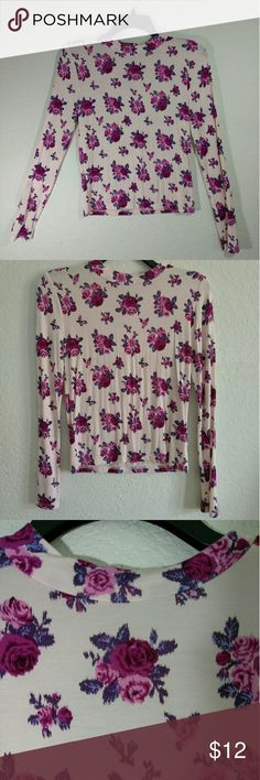 FOREVER 21 FLORAL TEE, LONG SLEEVE, WOMEN'S SIZE L Light weight floral tee, long sleeve in perfect condition.   95% rayon 5% spandex Forever 21 Tops Tees - Long Sleeve
