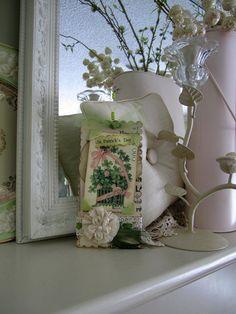 St Patrick's Day Decor  Green Paper Shamrock by AvantCarde on Etsy, $12.50