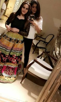 A-Line Wedding Dresses Collections Overview 36 Gorgeou… Bridal Mehndi Dresses, Desi Wedding Dresses, Pakistani Formal Dresses, Pakistani Wedding Outfits, Indian Gowns Dresses, Pakistani Dress Design, Party Wear Dresses, Indian Designer Outfits, Indian Outfits