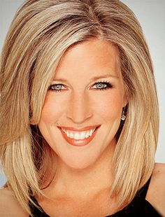 Laura Wright's hair is my dream hair!  It looks amazing no matter what!