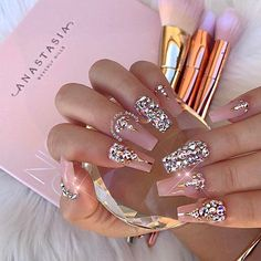 ✨ Blushing Beauty ✨for our Glamour Chic Beauty babe ----> @makeupby_jaz #glamourchicbeauty #glamourchic #gcnails #goldcoastnails #nudenails #swarovskinails #blingnails #prettynails #nailart #nailartclub #nailartoohlala #nailaonpoint #amazingnails #nails #nailsoftheday #nailsofinstagram #nailswag #nailsmagazine #nailprodigy #nailpro #nailporn #nailpromag #nailedit #nailit #nailitmag #nailfashion #swan_nails #thenaillife_ #hudabeauty #vegas_nay