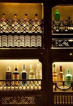 bottle display image