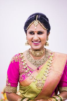 Green and pink silk ka… South Indian bride.Green and pink silk kanchipuram sari.Braid with fresh jasmine flowers. South Indian Bridal Jewellery, South Indian Weddings, South Indian Bride, Wedding Jewelry, Kerala Bride, Indian Jewelry, Bridal Looks, Bridal Style, Telugu Brides