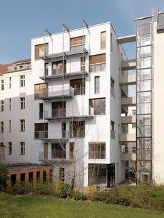 Housing In Berlin by Kaden Klingbeil Architekten Multi Story Building, Berlin, Woodwind Instrument, Home, Building Code, Modern Floor Plans, Reinforced Concrete, Fire Safety, Townhouse