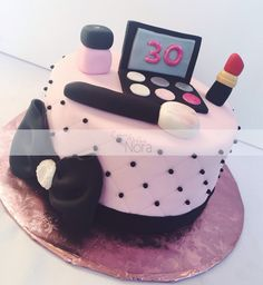 Make up themed cake | Cakes and More by Nora