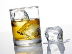 Un cocalar a fost umilit de prieteni pentru ca a baut whisky fara Red Bull