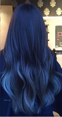 Latest trend in hair: Are you ready for navy blue hair? - - Latest trend in hair: Are you ready for navy blue hair? The popularity of navy blue hair is increasing! We are used to blue hair, pink, what about navy blue? Blue Ombre Hair, Hair Dye Colors, Ombre Hair Color, Cool Hair Color, Dyed Hair Blue, Hair Color Dark Blue, Dark Hair With Blue, Bright Blue Hair, Pink Hair