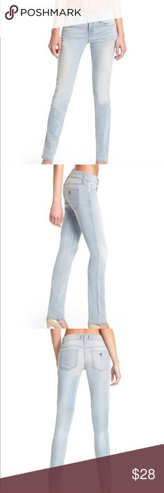 """Guess light wash skinny jeans A pair of comfortable and stretchy mid rise light wash jeans. They are well made with substantial thickness of material for a fitted form without losing its shape over time. They are in size 26, inseam 27"""". Guess Jeans Skinny"""