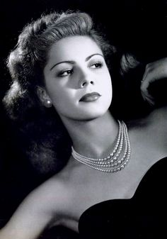 Lilia Prado, born on in Sahuayo, Michoacan, Mexico. Died on A Mexican Actress and Dancer from 1947 to She starred in over 100 films! Old Hollywood Glamour, Vintage Hollywood, Hollywood Stars, Classic Hollywood, Classic Actresses, Hollywood Actresses, Beautiful Actresses, Hollywood Actor, Divas