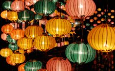 El Chinese Moon Festival o  Mooncake Festival. Se celebra el 15º día del octavo mes del calendario Chino en China, Corea, Vietnam y Japón. Este año el 8 de septiembre 2014.
