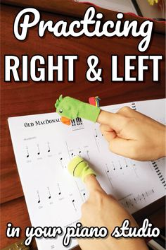 Do you have any students who play with right when it's supposed to be left...and visa versa? #pianoteacher #musiced #musicteacher #colourfulkeys #vibrantmusicteaching #beginningpiano #preschoolpiano