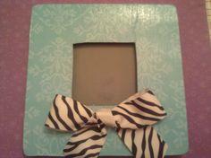 DIY Frame, My favorite one! Zebra Bathroom, Diy Frame, Zebra Print, Picture Frames, Bows, Crafty, Christmas, Home Decor, Portrait Frames