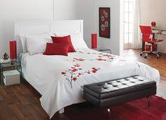 Bold, bright red  Decorating with red, white & brown!  For more details, visit www.bouclair.com.    Rouge brillant et éclatant  Décorez avec du rouge, blanc et brun!  Pour plus de détails, visitez le www.bouclair.com.