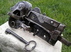 Knobs And Handles, Key Design, Door Knobs, Blacksmithing, Cannon, Metal Working, Locks, Antiques, Collection