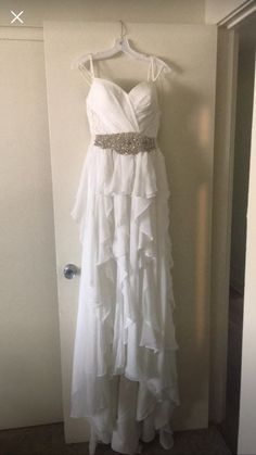 2f4a38d3687 David s Bridal  Romantic  size 6 new wedding dress front view on hanger New  Wedding