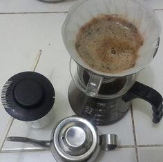 Hello, mate! #hario #v60 #blend #5vs1 #ArabikaGayo #RobustaLampung - at Kalamangga.Net HQ