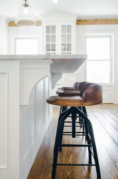 Can't decide on a bar stool for your modern farmhouse kitchen? Read this pos… Can't decide on a bar stool for your modern farmhouse kitchen? Read this post to choose the style that best suits your personality. Decor, Home Decor Kitchen, Kitchen Bar, Farmhouse Stools, Kitchen Remodel, Home Decor, Farmhouse Bar Stools, Kitchen Style, Modern Farmhouse Kitchens