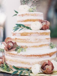 The best wedding cakes of 2015 are here! Click through now to find your favorite: http://www.stylemepretty.com/2015/12/14/the-best-wedding-cakes-of-2015/