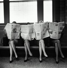 Vintage Photographs of People Reading Newspapers Before the Invention of That Grossly Antisocial Device: The Smartphone Gray Aesthetic, Black And White Aesthetic, Aesthetic Collage, Aesthetic Vintage, Aesthetic Photo, Aesthetic Pictures, Black And White Picture Wall, Black N White, Black And White Pictures