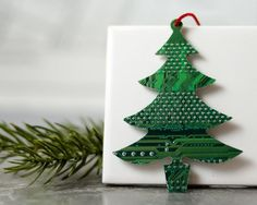for the geek on your christmas list here is a geek christmas rh pinterest com