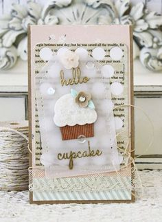 Hello Cupcake Card by Melissa Phillips for Papertrey Ink (December 2014)
