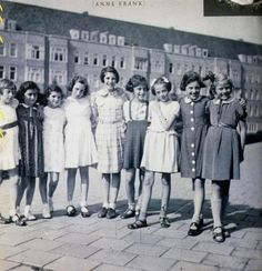 Anne Frank's 10th birthday in June 1939. Anne's schoolfriends. Anne (2. from the left), Sanne Ledermans (3. from the left.) und Hannah Goslar (4. from the left).