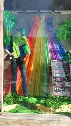 St Patricks Day window Display by Pam Forshee at An Event To Remember – Famous Last Words