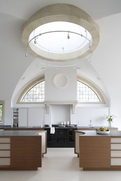 Bespoke kitchen designed by kitchen and furniture makers, Artichoke. Image by Marcus Peel Photography.