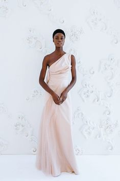 Wedding Dresses Backless Vera Wang Fall 2020 Couture Bridal Gowns from Peter Langner and The Atelier by Jimmy Choo - Perfete Light Pink Wedding Dress, Second Wedding Dresses, Gorgeous Wedding Dress, Modest Wedding Dresses, Boho Wedding Dress, Designer Wedding Dresses, Ball Dresses, Ball Gowns, Couture Bridal
