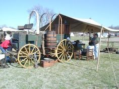 this gave me an idea to find old wagon wheels for decorations too
