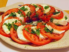 fresh mozzarella  tomatoes  basil  olive oil  balsamic vinegar  salt  pepper
