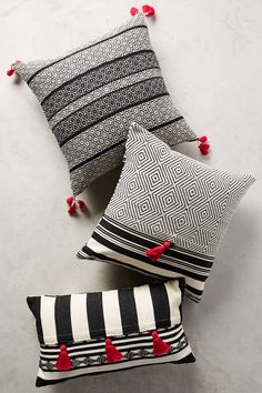 decorative pillows 288511919863615346 - Mercado Global Comalapa Pillow Source by scgselae Sewing Pillows, Diy Pillows, Decorative Throw Pillows, Cushion Covers, Pillow Covers, Pillow Room, Scatter Cushions, Blue Pillows, Soft Furnishings