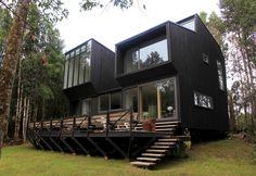 A villa in Chile, in wood and glass / Una villa in Cile, fatta di legno e vetro