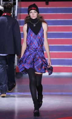 e2290001111d2 See the LFW Tommy Hilfiger Runway Looks Featuring Gigi