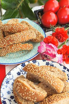 Kitchen Stories: Koulourakia: Cypriot Easter Cookies Greek Pastries, Kitchen Stories, Easter Cookies, Bagel, Biscuits, Bread, Recipes, Food, Crack Crackers