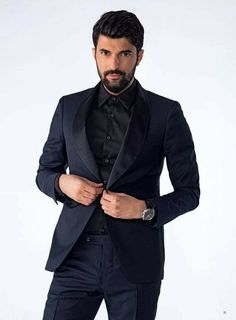 Who is Engin Akyürek dating? Turkish People, Turkish Actors, Hair Color Dark, Weekend Fun, Beautiful Couple, Best Actor, How To Take Photos, Actors & Actresses, Suit Jacket