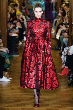 Erdem Fall 2019 Ready-to-Wear Collection - Vogue Fashion Over 50, Fashion Week, Runway Fashion, High Fashion, Fashion Boots, Vogue Fashion, Cheap Fashion, Daily Fashion, Street Fashion