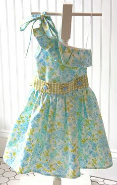 "Pattern is ""Stella"" by Violette Field Threads. Fabrics are all by Fabric Finders."