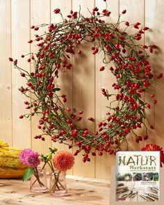 Everyday Wreath for Front Door / Modern Wreath with Felt Leaves / All Season Wreath / Diameter / HGTV Magazine Featured / Made to Order Christmas Wreaths To Make, Holiday Wreaths, Valentines Day Decorations, Christmas Decorations, Holiday Decor, Twig Wreath, Floral Wreath, Modern Wreath, Felt Leaves