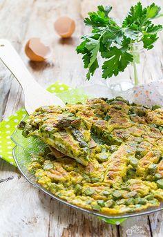 Frittata con gli asparagi Quiche, Risotto, Buffet, Food And Drink, Cooking, Breakfast, Ethnic Recipes, Oven, Vegetables
