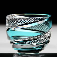 [Prompt decision] 2018 early summer Edo Kiriko Sake seen eddy eddy KiribakoIri May 21 delivered in tightening 3 to 5 business days Engraving Art, Crystal Glassware, Glass Wall Art, Glass Vessel, Glass Design, Cut Glass, Glass Ornaments, Glass Jewelry, Perfume Bottles