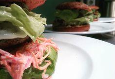 Stimmungsbild:  ... jetzt kommen noch ein paar #hashtags #burgmanns #weilheim #weilheimlebt #kirchheim #göppingen #stuttgart #lecker #familienbetrieb #bio #regional #saisonal #steak #fisch #salat #veggie #dessert #bier #limo #wein #wasser #aufdiehand #aufdenteller #glasklar #burger #cheeseburger #tatar #vegan #veggie #entschleunigung #stimmungsbild