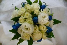 White and blue roses. www.wanakaweddingflowers.co.nz/gallery.php