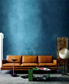 Tips That Help You Get The Best Leather Sofa Deal. Leather sofas and leather couch sets are available in a diversity of colors and styles. A leather couch is the ideal way to improve a space's design and th Public Seating, Blue Walls, Dark Walls, Wall Colors, Colours, Colorful Interiors, Interior Inspiration, Design Inspiration, Modern Furniture