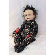 Amazing Edward Scissorhands Johnny Depp Reborn Doll By Orange Grove Nursery Creepy Baby Dolls, Realistic Baby Dolls, Baby Girl Dolls, Bb Reborn, Reborn Baby Dolls, Fete Halloween, Halloween Doll, Creepy Horror, Gothic Dolls