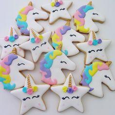 Unicorn cookies with star unicorns Star Sugar Cookies, Sugar Cookie Royal Icing, Unicorn Cookies, Unicorn Baby Shower, Star Food, Diy Birthday Decorations, Baby Shower Cookies, Chocolate Molds, Cookie Decorating