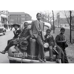 Negro Boys on Easter Morning. Southside Chicago, Illinois the Library of Congress' digital photograph collection . Five young boys sitting on a vintage Pontiac in Chicago. Original black and white photo colorized added beautiful detail to an iconic photo. South Side Chicago, Classy People, Harlem Renaissance, We Are The World, African American History, Vintage Photographs, Black People, Black History, History Pics